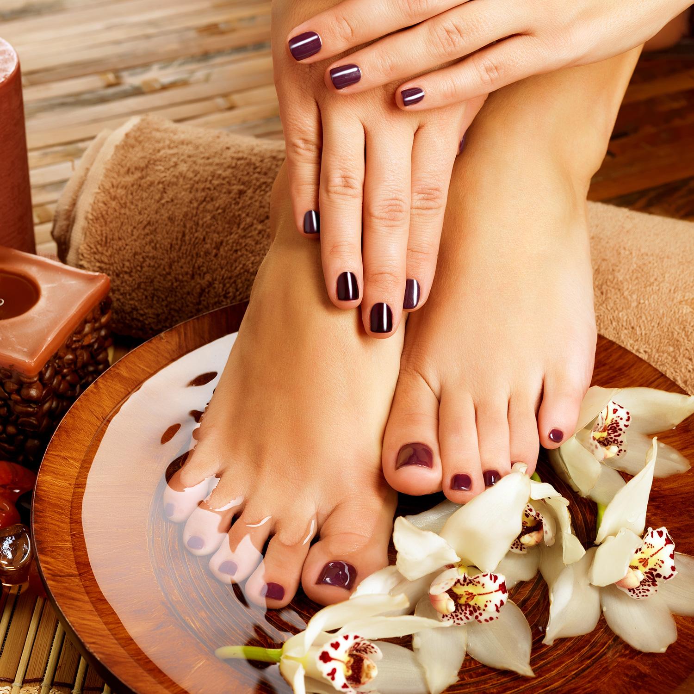 Manicure & Pedicure Castell de Mar Hotel
