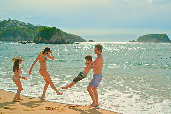 ¡Especial 4x1 Huatulco!  Park Royal Hotels & Resorts