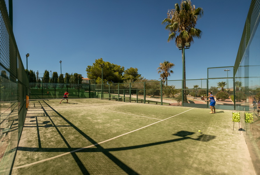 Pistas de Tenis y Padel Holiday Park Magic Robin Hood